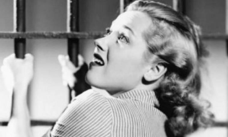 Τα 5 βασικά ψέματα που σου λέει ο κόσμος μετά από ένα χωρισμό