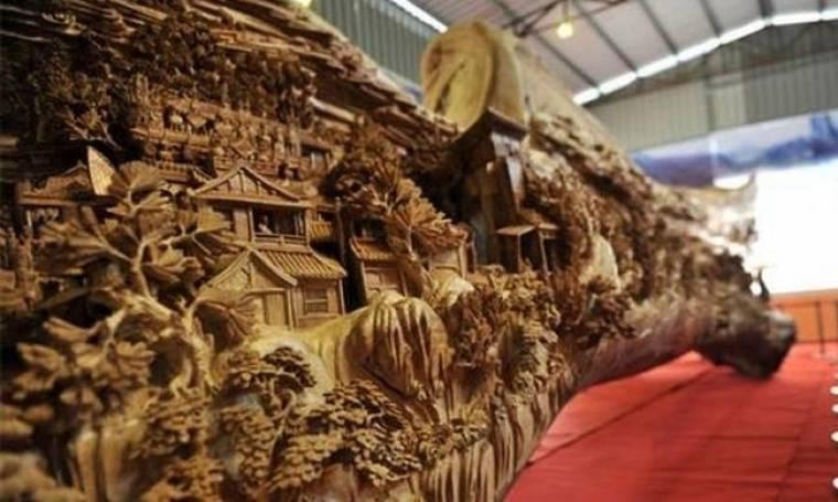 Δείτε το μεγαλύτερο ξύλινο γλυπτό (pics)