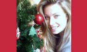 Δείτε τη Μαριέτα Χρουσαλά εντελώς άβαφτη να στολίζει το χριστουγεννιάτικο δέντρο!