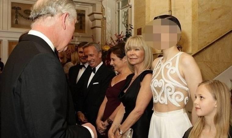 Τα πέταξε όλα έξω μπροστά στον πρίγκιπα Κάρολο!