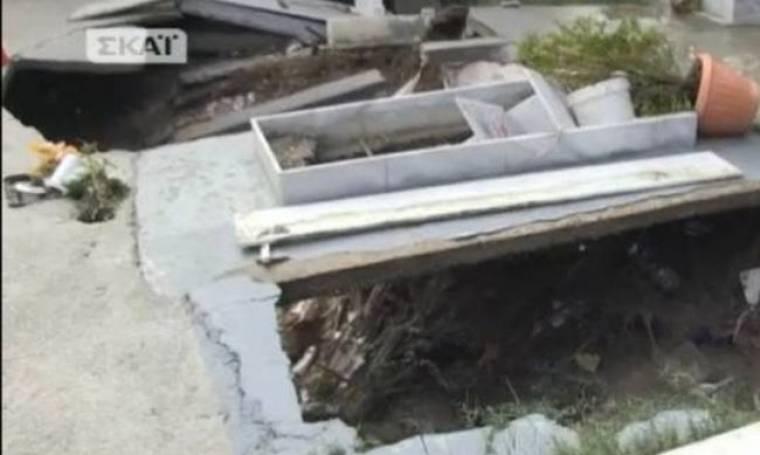 ΦΡΙΚΗ στη Ρόδο: Πλημμύρισε νεκροταφείο και εξαφανίστηκαν τα πτώματα