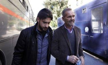 Η στιγμή που ο Κωστόπουλος οδηγείται στην Εισαγγελία και οι πρώτες δηλώσεις του