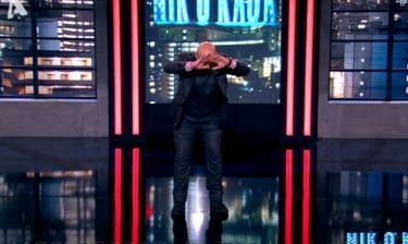 Όταν ο Νίκος Μουτσινάς έχει κέφια και χορεύει ακατάπαυστα ζεϊμπεκιές!