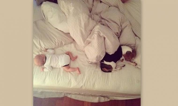 Το μωράκι της Σοφίας Καρβέλα κοιμάται