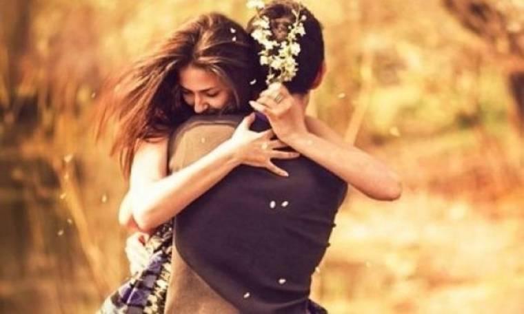 Τέλεια σύντροφος: Αυτά είναι τα 6 βασικά χαρακτηριστικά της σύμφωνα με τους άντρες
