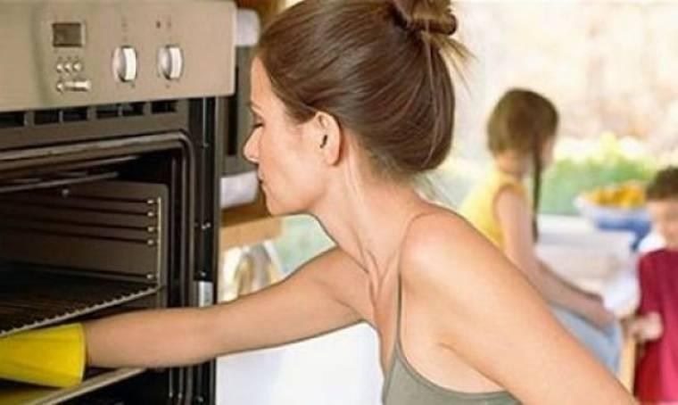 Καθαρίστε το φούρνο σας οικονομικά και... οικολογικά!