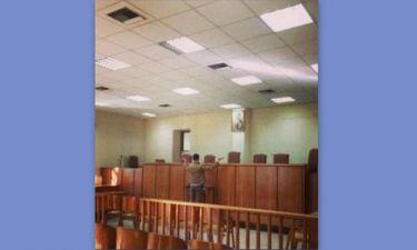 Λάκης Γαβαλάς: Η φωτογραφία από τα δικαστήρια και η προσευχή του