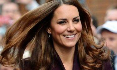 Ίντριγκα στο Buckingham! Γιατί η Kate Middleton απέλυσε κακήν κακώς τον κομμωτή της;