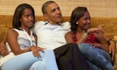 Για χριστουγεννιάτικα ψώνια με τις κόρες του ο Ομπάμα