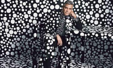 Ο George Clooney ποζάρει για εξώφυλλο περιοδικού με πουά κουστούμι! (φωτογραφίες)