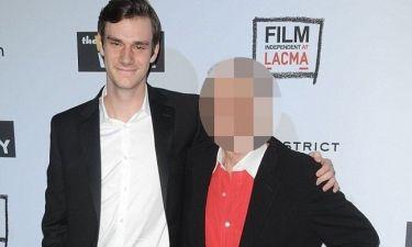 Δεν φαντάζεστε ποιου γιος είναι ο νεαρός της φωτογραφίας!