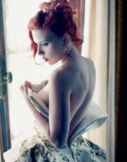 H Scarlett Johansson έγινε… κοκκινομάλλα