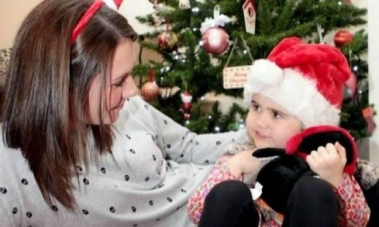 Από την...κηδεία της στο σπίτι με τους γονείς της η 3χρονη Scarlett