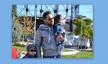 Γιώργος Μάης: Βόλτα με τους δυο γιους του