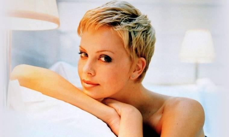 Δείτε τη Charlize Theron εντελώς άβαφτη!