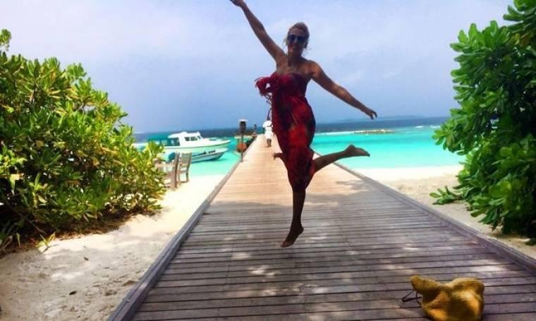 Η Κωνσταντίνα Σπυροπούλου στις… Μαλδίβες μαζί με την Μενεγάκη!