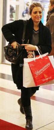 Κατερίνα Κόκλα: Άφησε τους άντρες της και πήγε για ψώνια