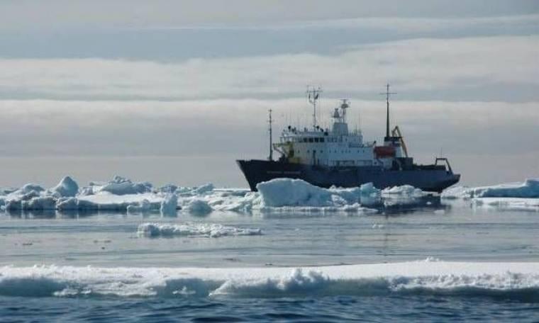 Με ελικόπτερο θα απομακρυνθούν παγιδευμένοι επιβάτες στην Ανταρκτική