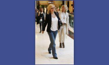 Αγγελική Νικολούλη: Χαμογελαστή και casual ντυμένη για ψώνια