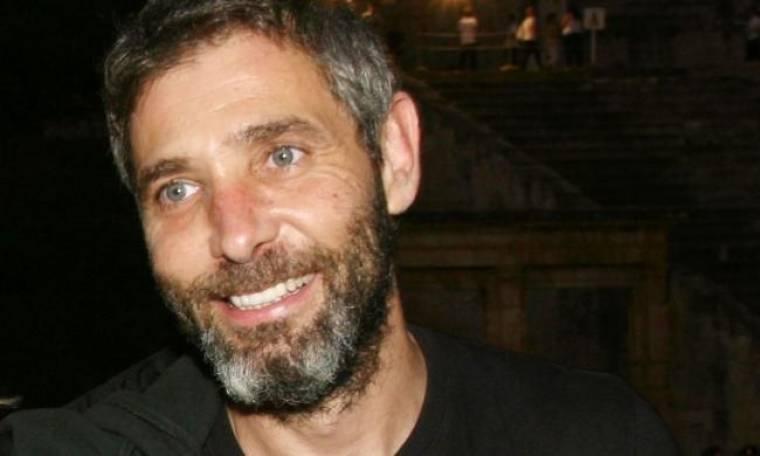 Θοδωρής Αθερίδης: Γιατί σκηνοθετεί, γράφει και πρωταγωνιστεί στα έργα του;