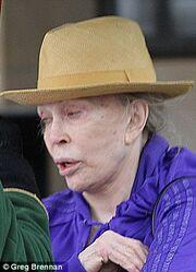 Η σοκαριστική εικόνα της Faye Dunaway στα 72 της χρόνια!