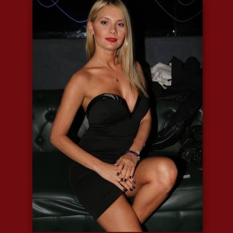 So sexy η Άρτεμις Αστεριάδη!