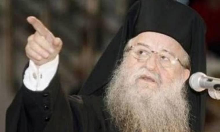 Τη διαγραφή βουλευτή του ΣΥΡΙΖΑ που ντύθηκε παπάς ζητεί ο Άνθιμος