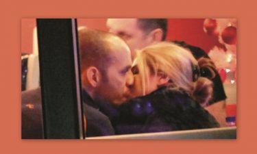 Έλενα Παπαβασιλείου: Τα καυτά φιλιά με το νέο της σύντροφο (φωτό)