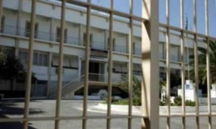 Oι μισοί συλληφθέντες για τρομοκρατία είναι εκτός φυλακής