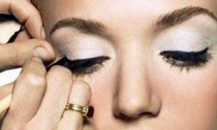 Λατρεύετε το eye liner; Σας έχουμε 5 απλούς και εύκολους τρόπους για να φορέσετε (video)
