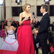 H Jennifer Lawrence έκανε πλάκα στην Taylor Swift!