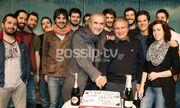 Ο Λάκης Λαζόπουλος έκοψε την Πρωτοχρονιάτικη πίτα στο θέατρο!