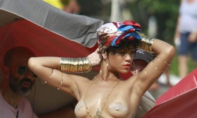 Rihanna: Τόπλες στην Βραζιλία