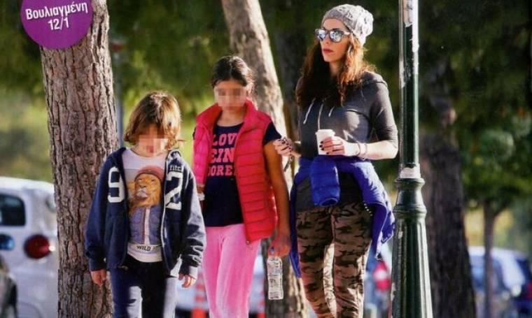 Δέσποινα Βανδή: Για παγωτό με τα παιδιά της στην Βουλιαγμένη