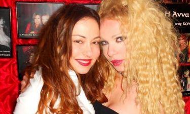 Η Μελίνα Ασλανίδου διασκέδασε στις «Κούκλες»