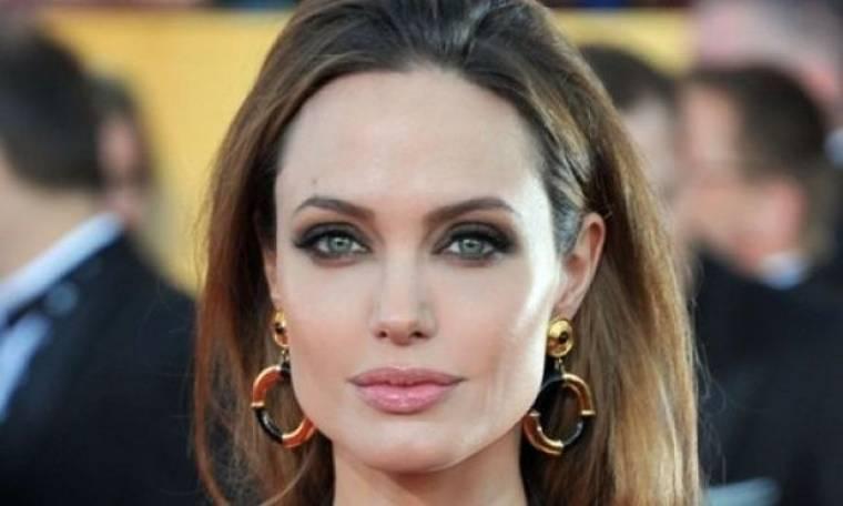 Αυτό θα πει μεταμόρφωση: Δείτε την Angelina Jolie ως κακιά μάγισσα στη νέα της ταινία!