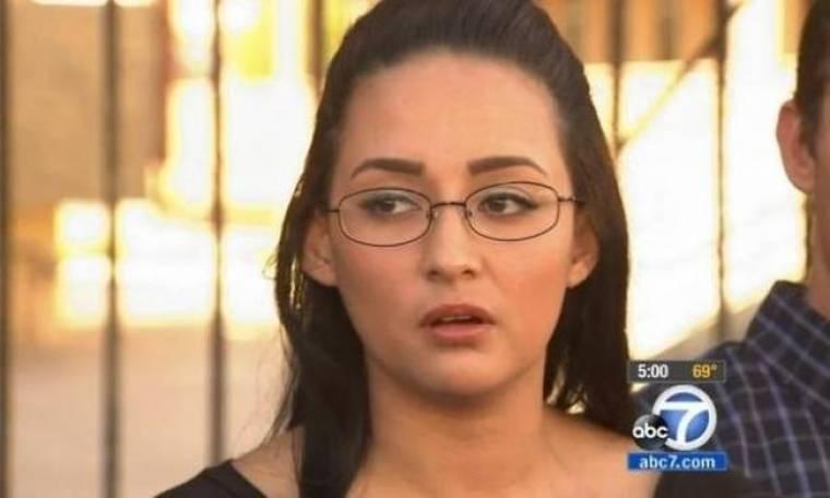 ΣΟΚ: Δασκάλα βίαζε νεαρή μαθήτριά της επί 6 χρόνια