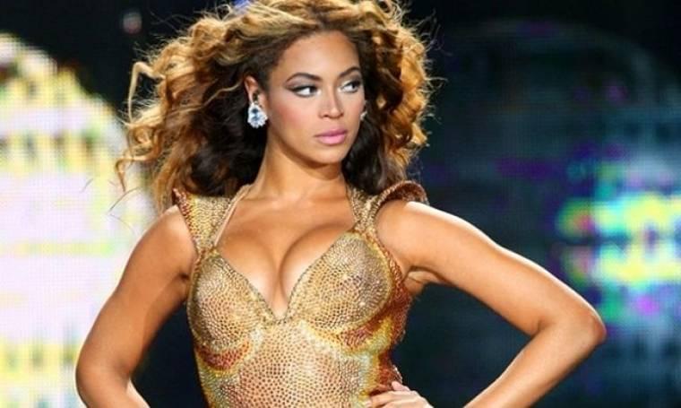 Beyonce: «Είναι δύσκολο να είσαι γυναίκα»