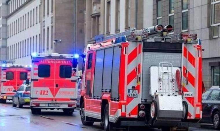 Σοκ στη Γερμανία: Τους σκότωσε στα σκαλιά των δικαστηρίων (pics)
