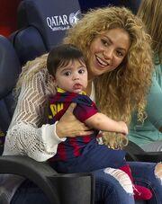 Έχει ξετρελάνει το διαδίκτυο η φωτογραφία του γλυκύτατου γιου της…