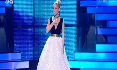 Σαν πριγκίπισσα παραμυθιού η Δούκισσα Νομικού στον ημιτελικό του «Dancing with the stars 4»