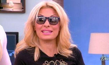 Τα μαύρα χάλια της έχει η Ελένη Μενεγάκη, βγήκε με μαύρα γυαλιά ηλίου