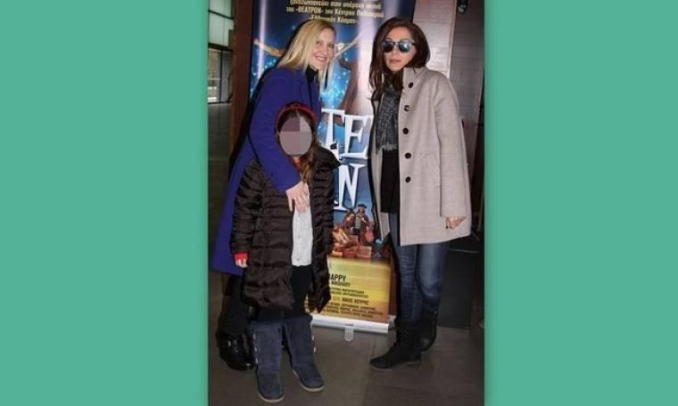Δέσποινα Βανδή: Βόλτα με την φίλη της Κική Τσόλκα