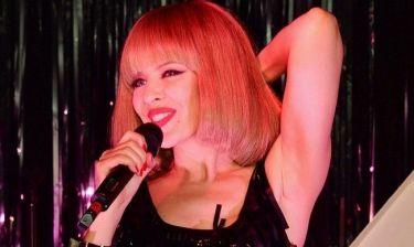 Με νέο λουκ και πιο σέξι από ποτέ η Kylie Minogue!