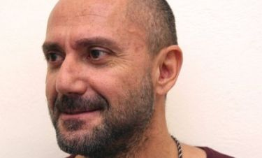 Σάλος με την αποκάλυψη του Βαλλιανάτου στο facebook ότι είναι οροθετικός