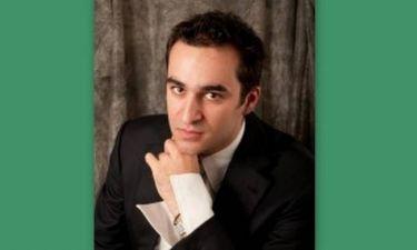 Νικόλας Καραγκιαούρης: «Το θέατρο περιλαμβάνεται στην όπερα»