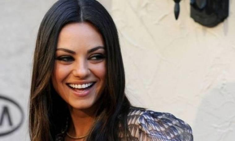 Mila Kunis: Δε νιώθει σέξι αλλά έχει ένα μυστικό που τρελαίνει τους άντρες