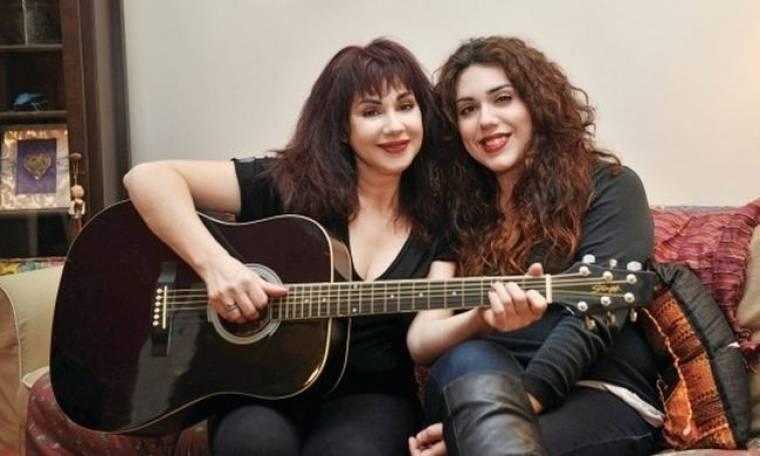 Ζανέτ Καπούγια: Θα συνεργαστεί με την κόρη της;