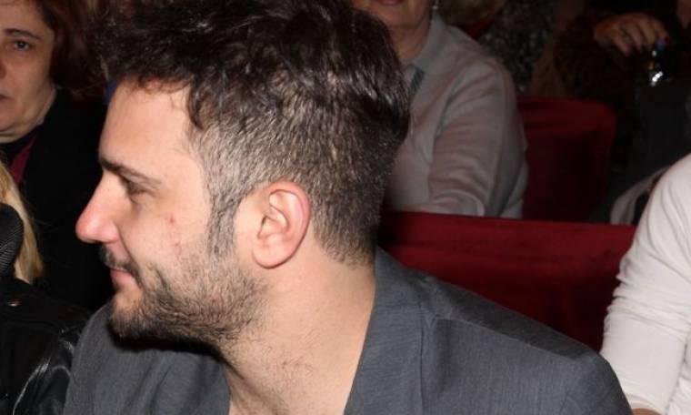 Ευθύμης Ζησάκης: «Σε κάθε δύσκολη στιγμή ο Έλληνας βρίσκει τον τρόπο να ξεχαστεί»