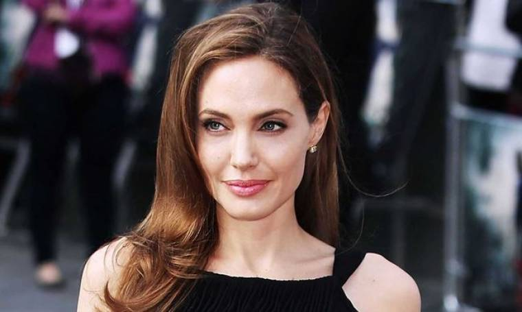 Angelina Jolie: Συνάντησε ορφανά παιδιά στο Λίβανο